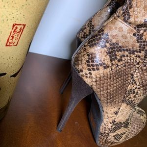 CHARLOTTE RUSSE FAUX SNAKE SKIN BOOTS